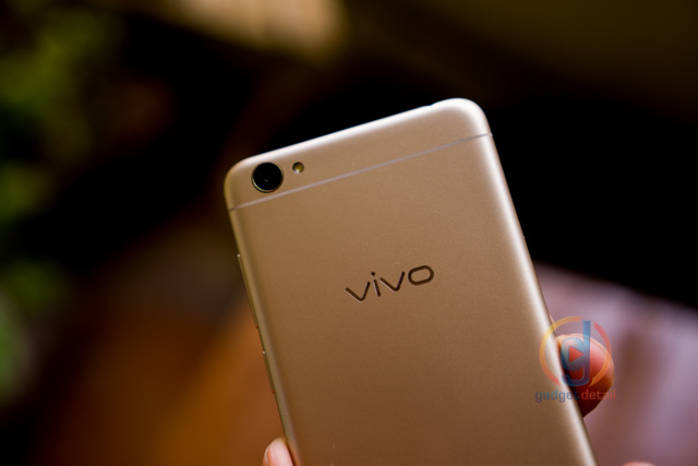 Vivo Y55s - Review - with that 3rd card slot! - GadgetDetail